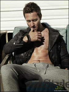 alex-o-loughlin-GQ-photos-02